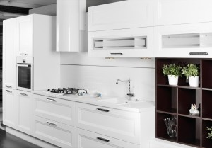 Baldininkams dažome virtuvinius baldus ir detales